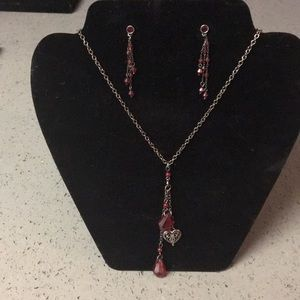 Jewelry - Garnet red earring and necklace set